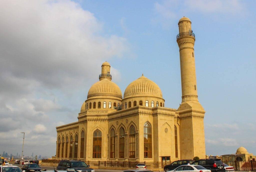 الاستثمار في أذربيجان