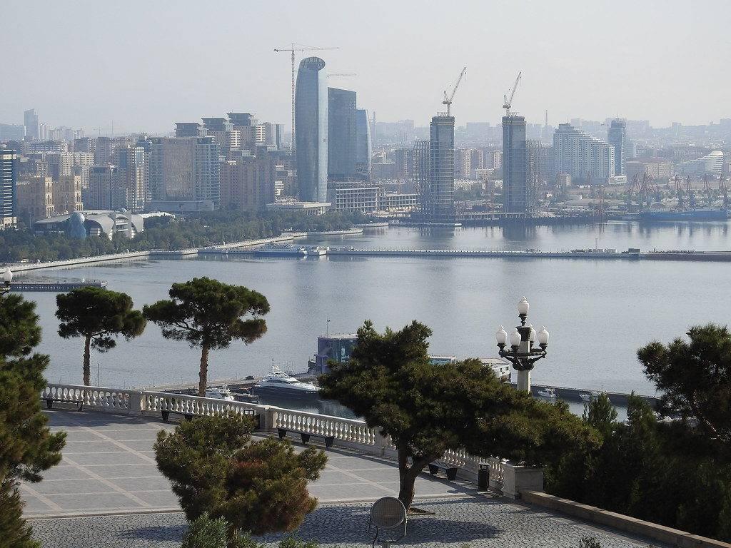 الاستثمار في اذربيجان